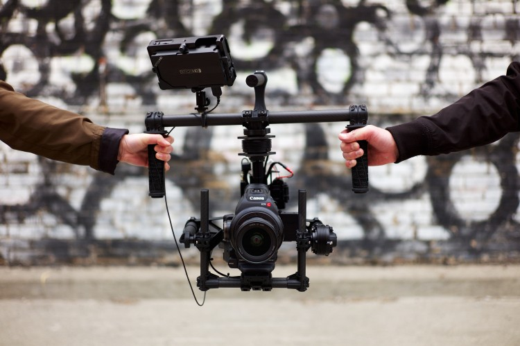 Freefly Systems Movi M5 - Outside In Studio